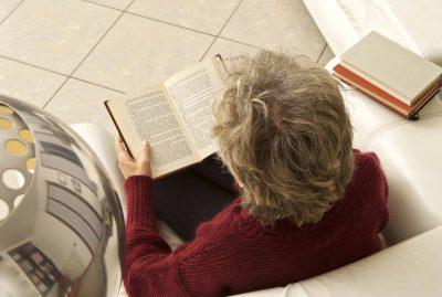 lettura libro donna